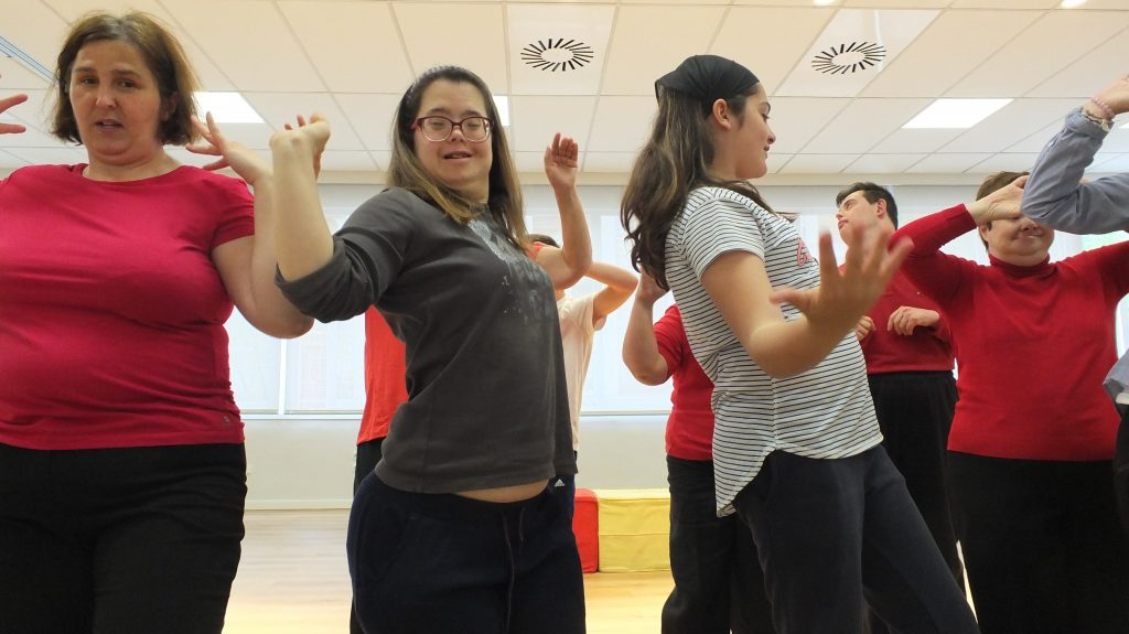 Bailando una coreografía